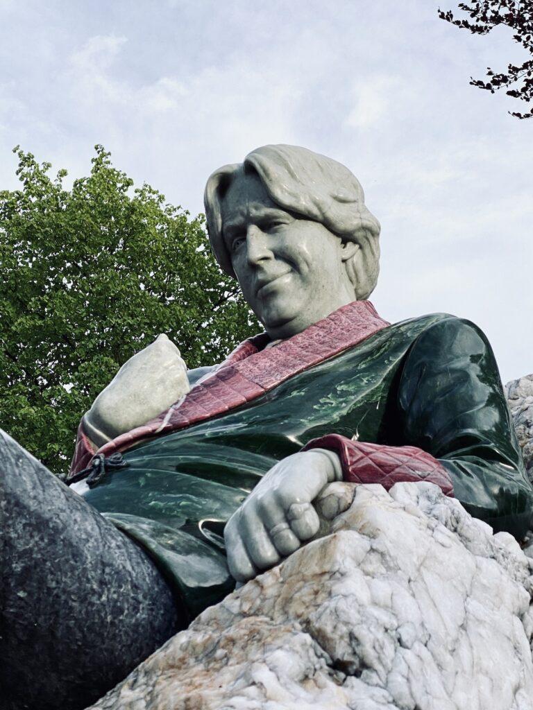 Oscar Wilde Statue.