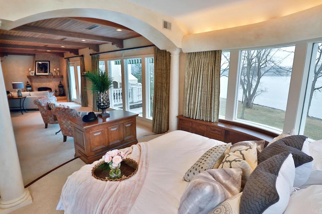 The Estate at Cherokee Dock rental master bedroom