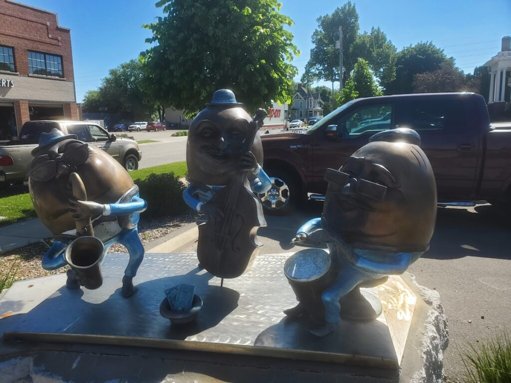 River City Sculptures on parade Mason City.