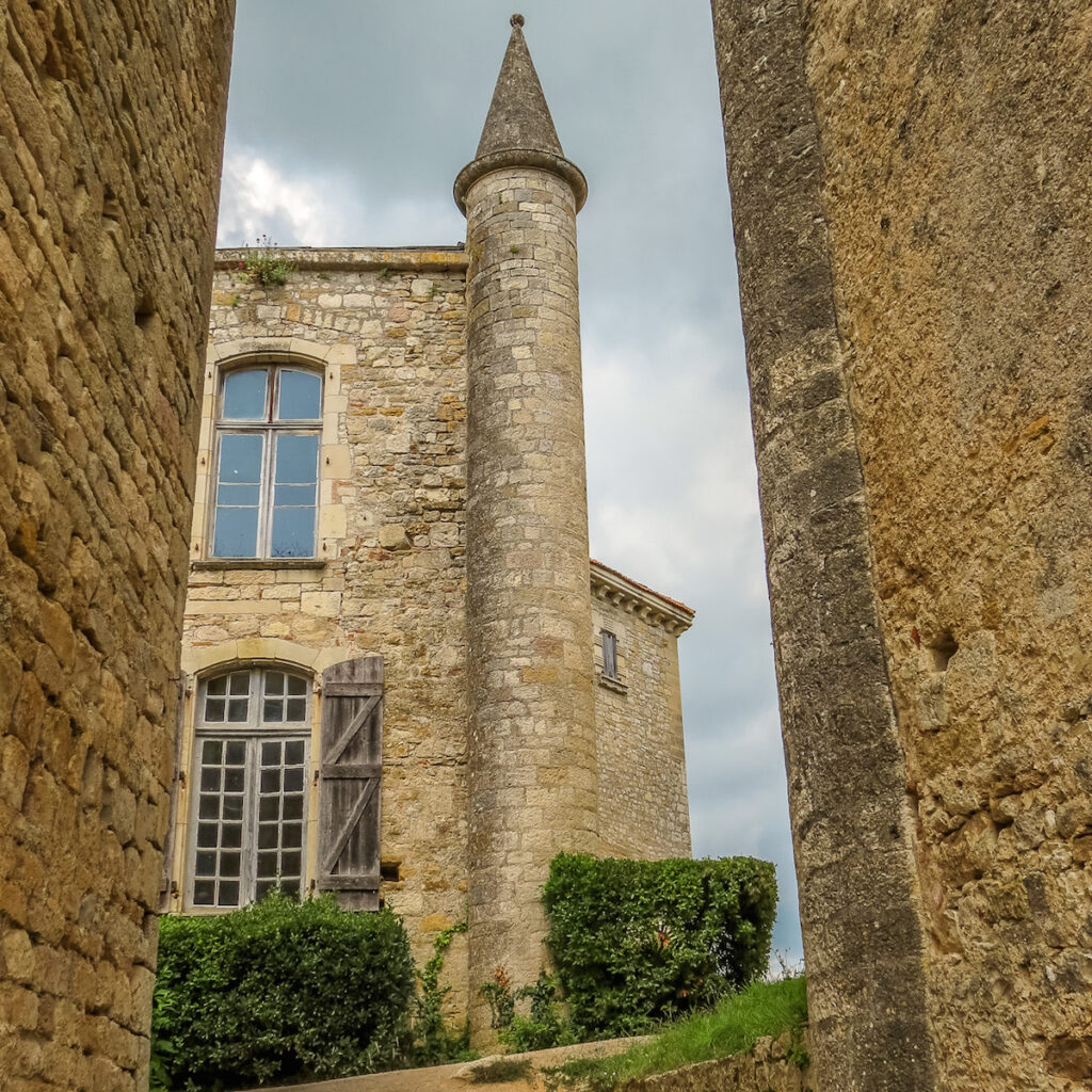 The castle tower at Bruniquel