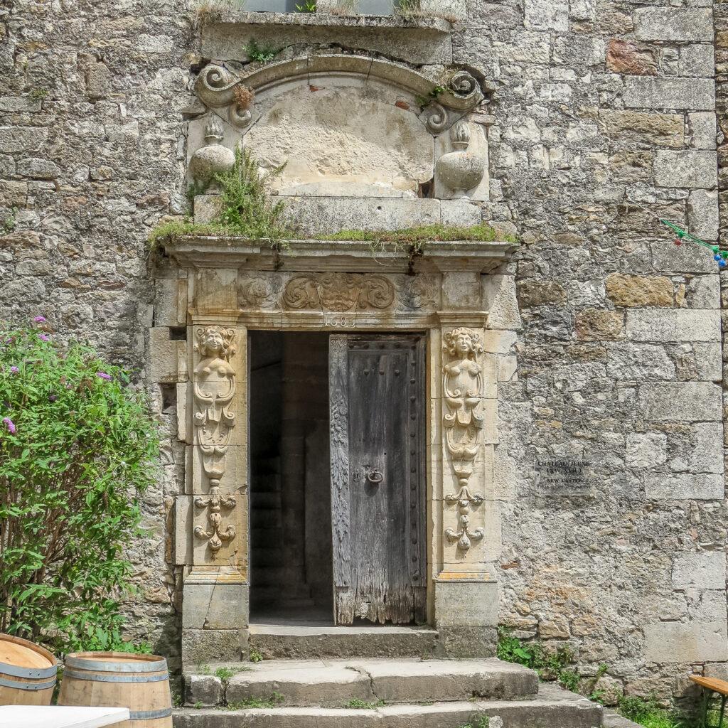 Bruniquel doorway