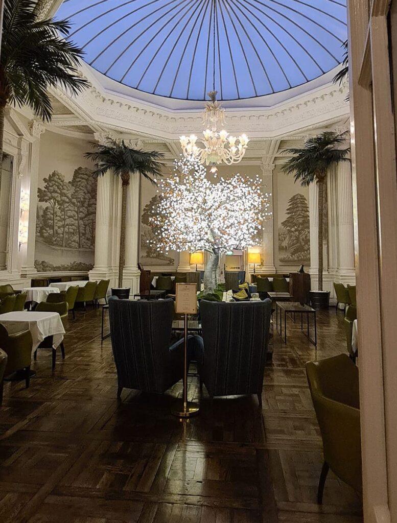 A hotelin Edinburgh