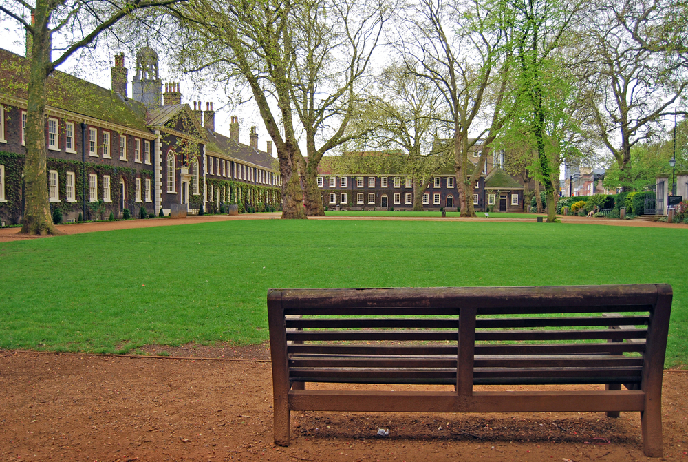 Traditional English garden benches in the Geffrye Museum