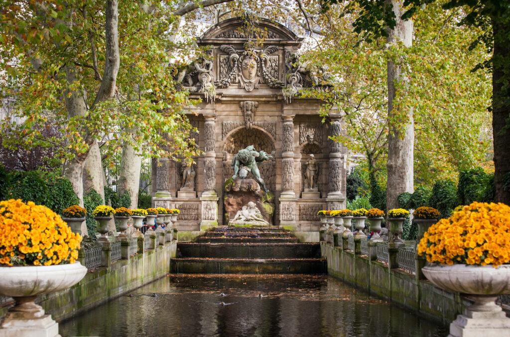 Fontaine Médicis dans le jardin du Luxembourg, Paris.