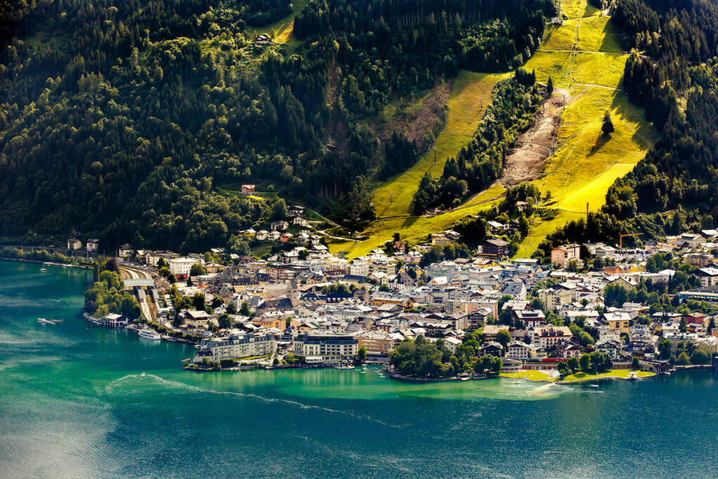 View of the Zeller See lake.  Center of the alpine town Zell am See, Austria, Europe.