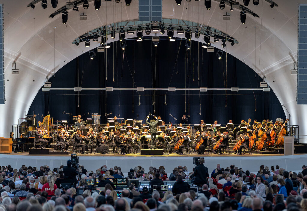 San Diego Symphony preforms with large audience at dusk.Gary Payne