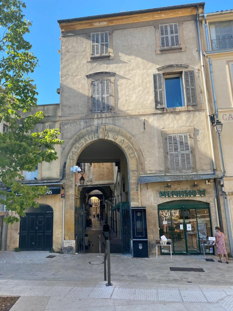 Entrée de l'Accord de Passage à Ice-n-Provence, France
