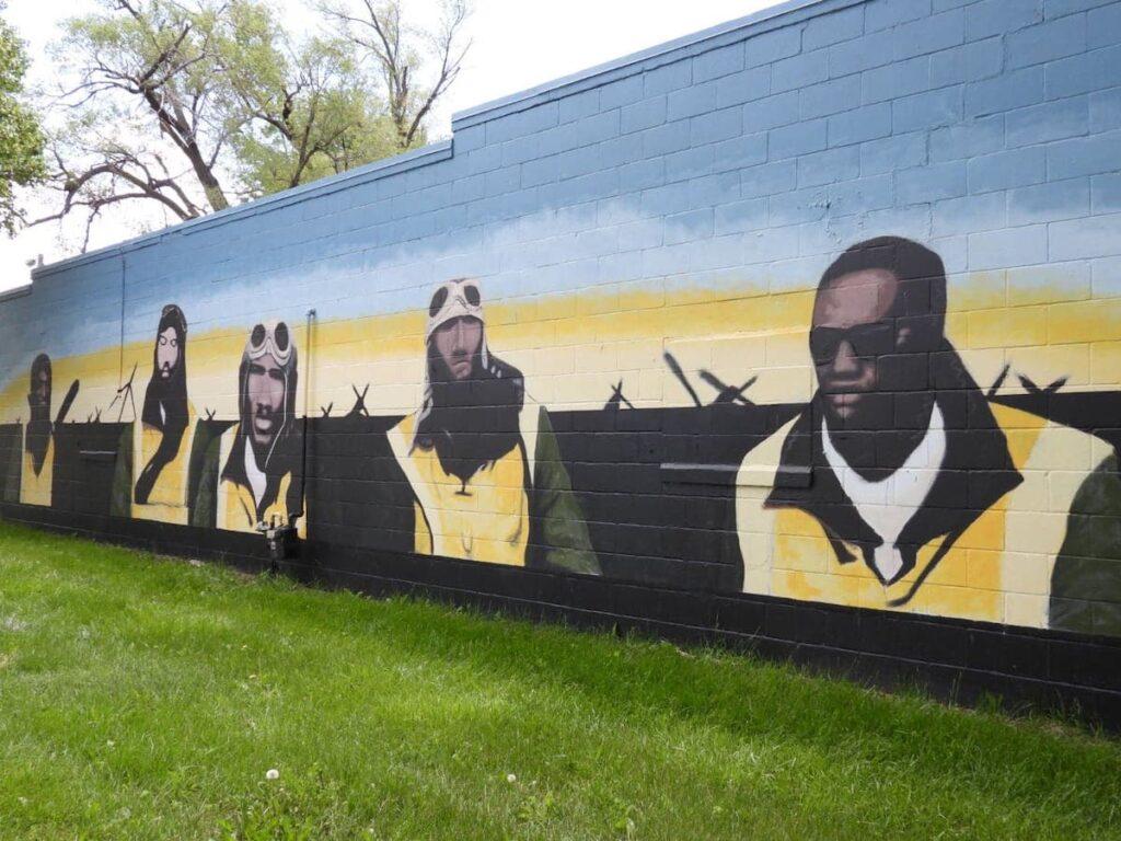 Omaha, Nebraska, mural honoring the Tuskegee Airmen.
