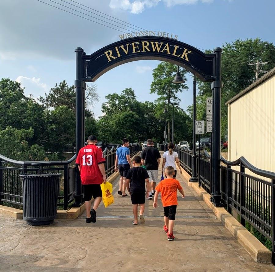 Wisconsin Dells Riverwalk Sign