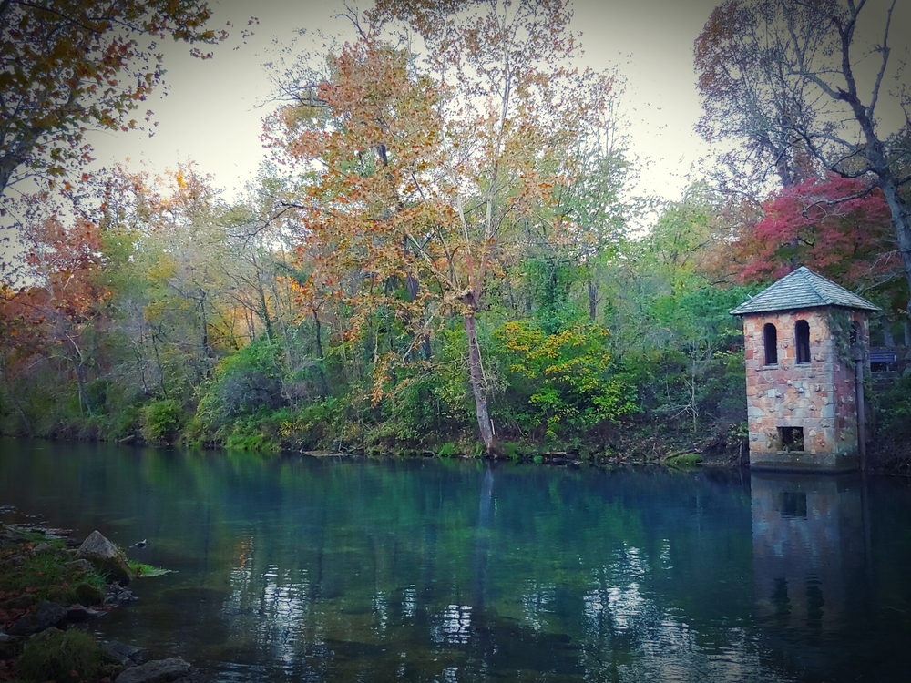 Autumn on the Niangua River at Bennett Springs state park