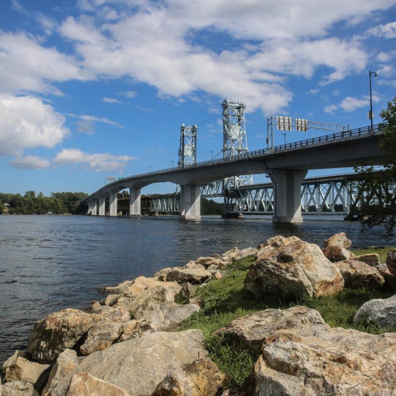 Bath is a city of Sagadahoc county in southwestern Maine, U.S. The city lies along the Kennebec River to Atlantic coast.