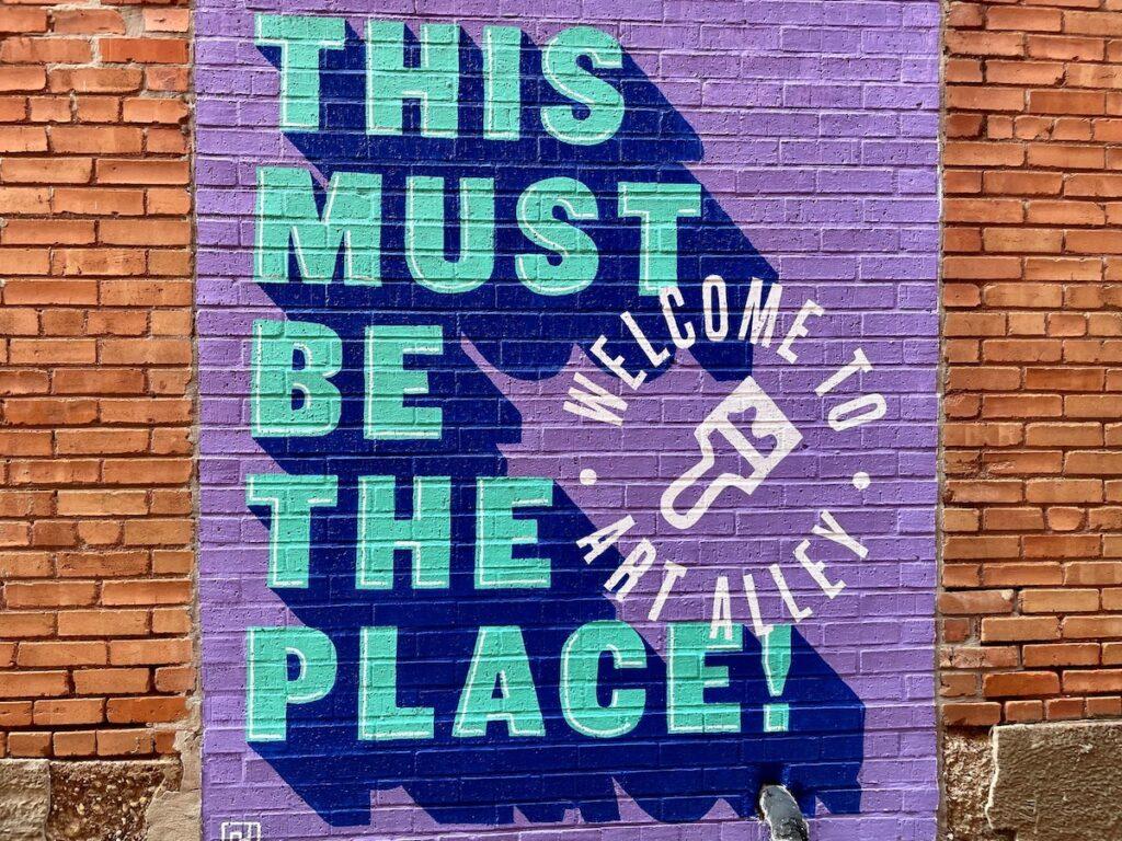 Art Alley mural in Corsicana, Texas