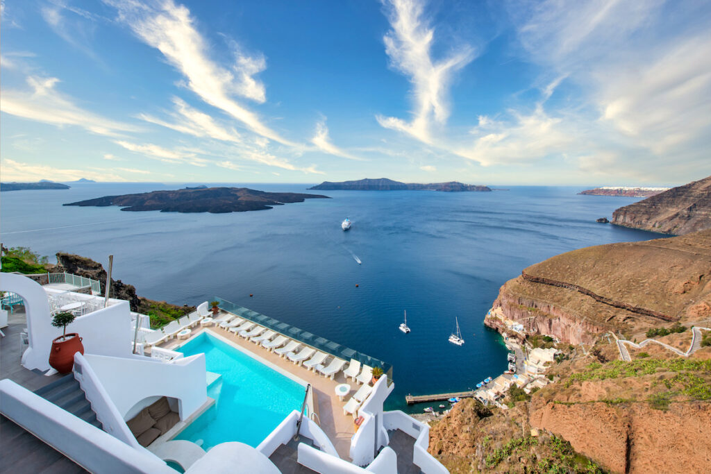 Athina Luxury Suites; Fira, Greece