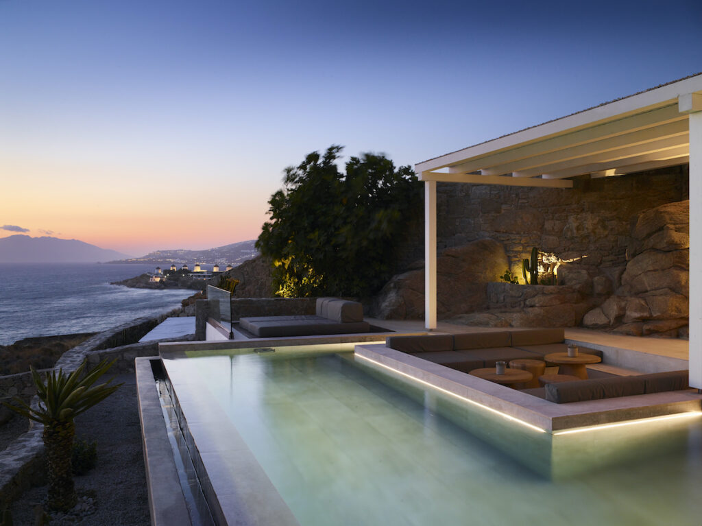 Bill & Coo Suites and Lounge; Mykonos, Greece