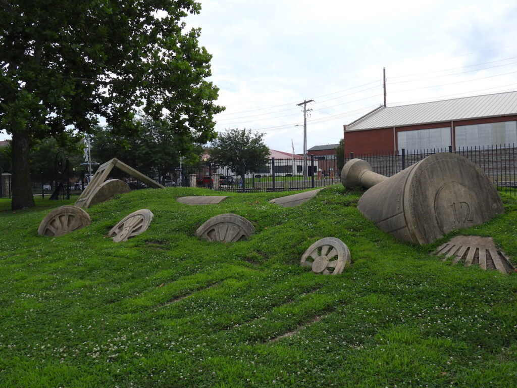Train sculpture at Leavenworth Landing Park.