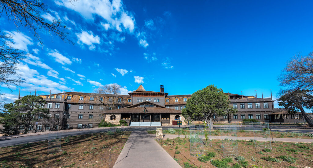 El Tovar Hotel located at the Grand Canyon