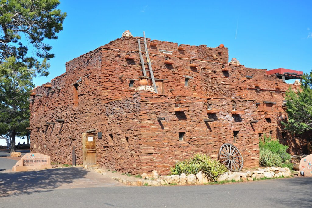 Hopi House at the South Rim of the Grand Canyon