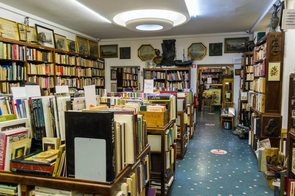 Livraria Bertrand; Lisbon, Portugal