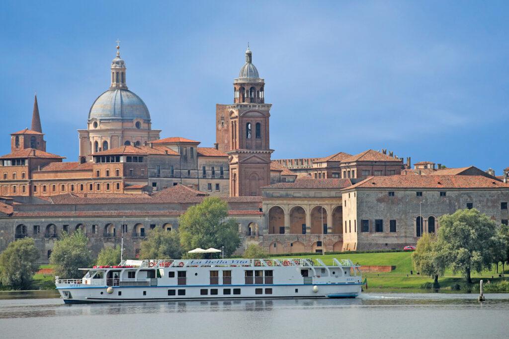 The Northern Italian canal cruise