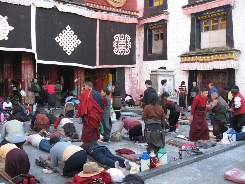 Pilgrims at the Jokang Temple, Lhasa.