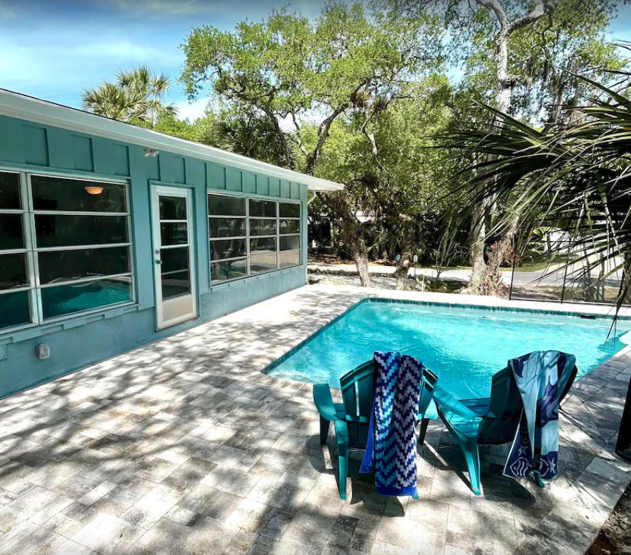 3 Bed, 2 Bath Home With Pool