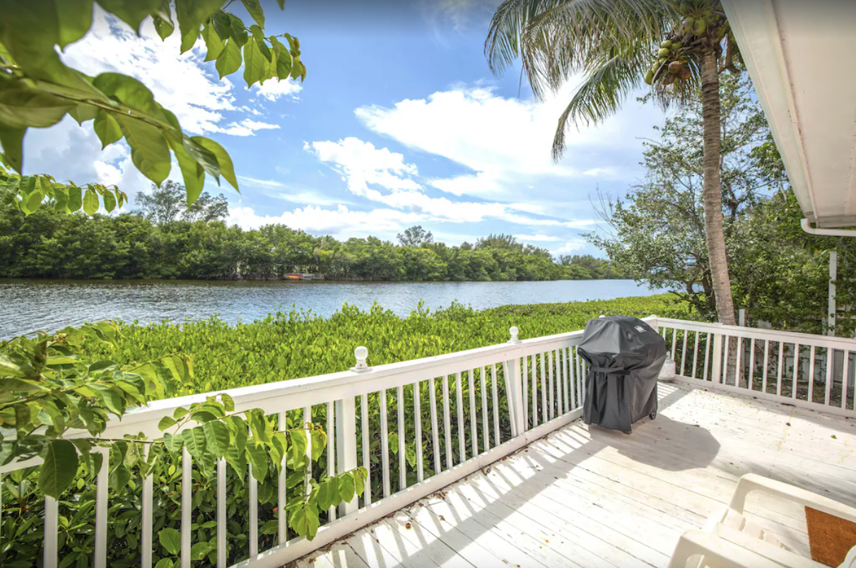 3 Bed, 3 Bath Waterfront Home With Pool