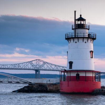 Tarrytown Lighthouse, in front of Tappen Zee Bridge, Sleepy Hollow, New York.