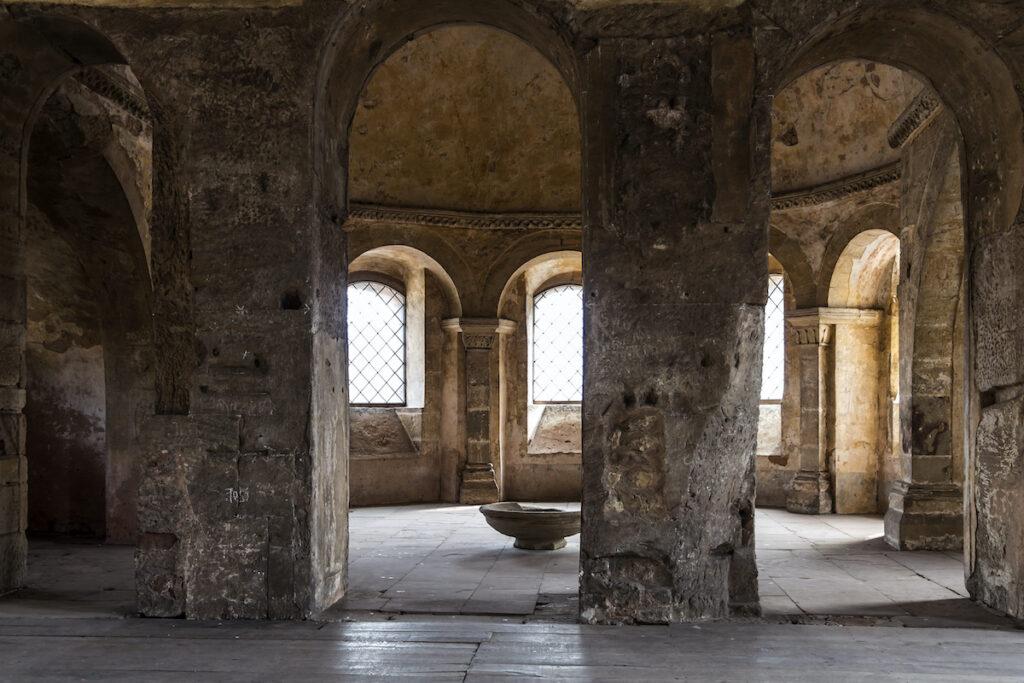 Luce di pietra dell'antica porta romana, Porta Nigra, Treviri.