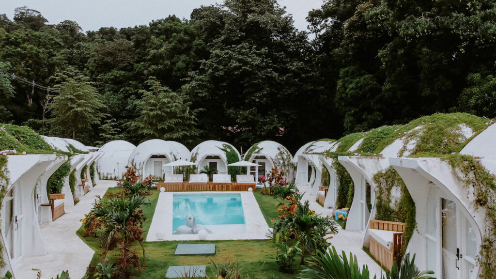 Igloo Beach Lodge with igloo-style rooms and a swimming pool is ideal for a vacation getaway.