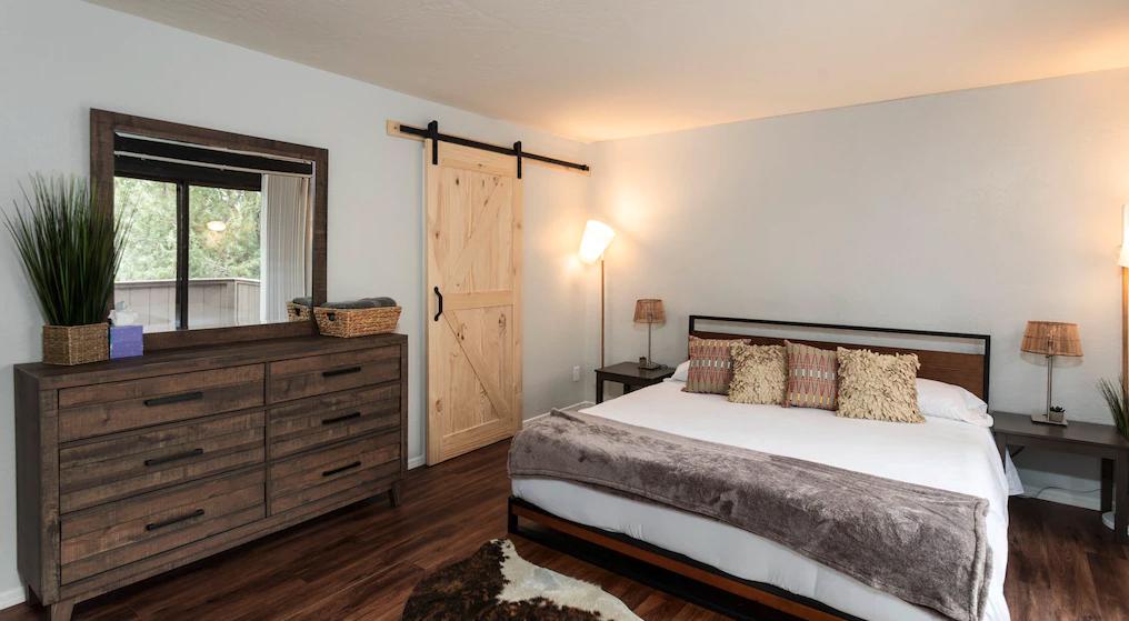 2 bedroom, 1.5 bathroom condo