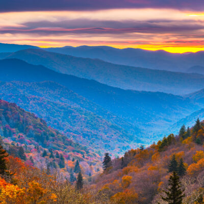 Smoky Mountains National Park in Tennessee, Autumn at dawnSmoky Mountains National Park in Tennessee, Autumn at dawn