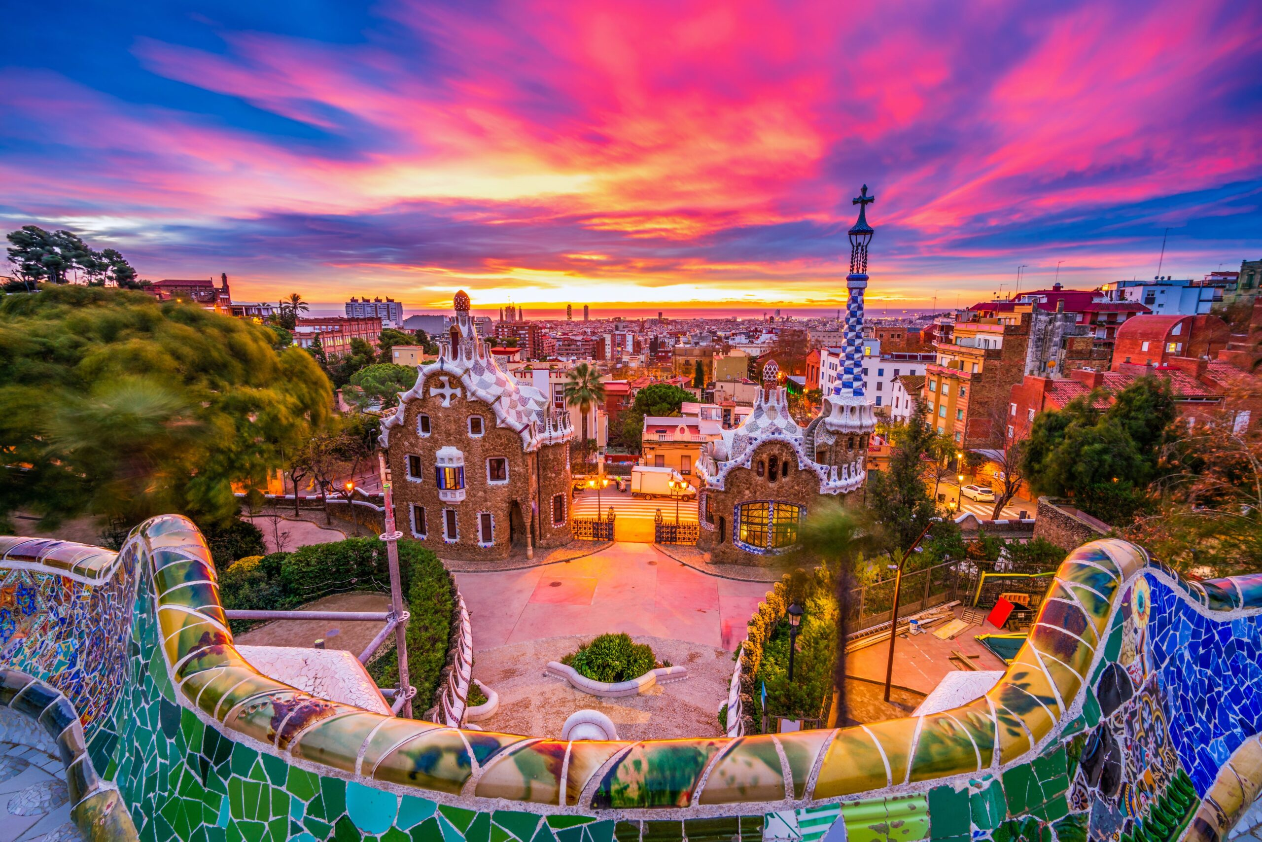 Beautiful sunrise in BarcelonaBeautiful sunrise in BarcelonaBeautiful sunrise in Barcelona, Spain
